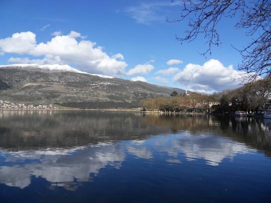 Lake-Ioannina.jpg